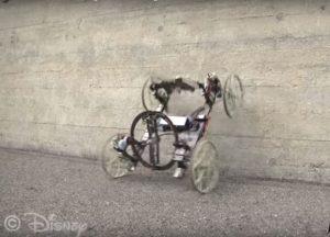 voiture qui roule sur les murs VertiGo Disney