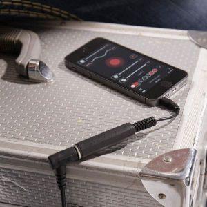 jack de connexion entre appli Roadie Tuner et guitare électrique