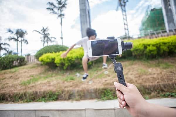 steadicam stabilisateur nacelle pour smartphone Zhiyu Z1 Smooth C